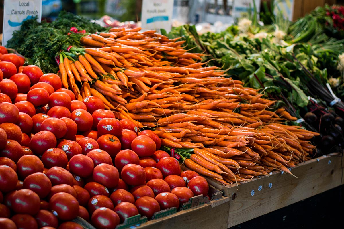 farm-produce-Carrots The Old Farm Market Duncan BC